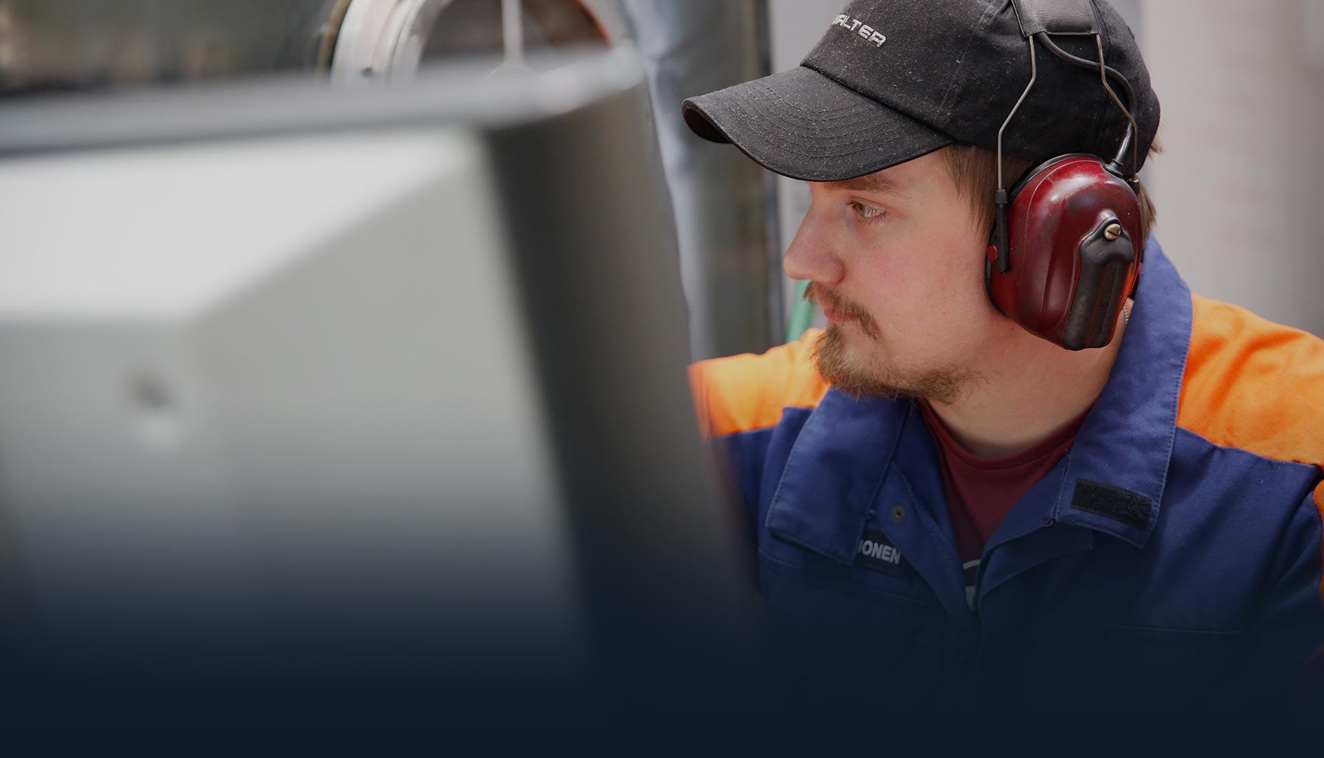 Yrityksen palveluksessa työskentelee noin 40 työntekijää - Metallisorvaamo M.Hakala